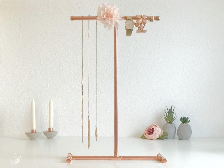 diy schmuckst nder aus kupferrohr elfenweiss. Black Bedroom Furniture Sets. Home Design Ideas