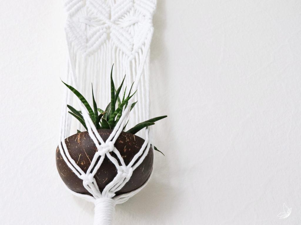 DIY Planthanger Makramee Macrame Blumenampel Pflanzenampel knoten doityourself free pattern Anleitung elfenweiss